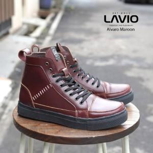 Harga sepatu pria sneakers casual keren naik motor nongkrong lavio alvaro   maroon   HARGALOKA.COM