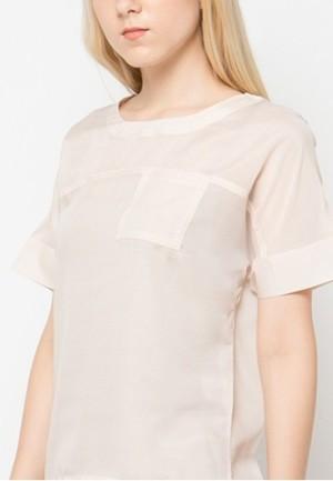 Harga chanira kira blouse     HARGALOKA.COM