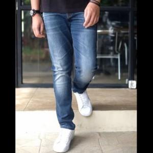 Harga calvin klein ck celana jeans original     HARGALOKA.COM