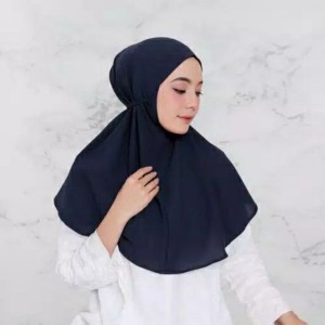 Harga a8 hijab bergo maryam tali khimar instan jilbab kerudung daily   on model navy   HARGALOKA.COM