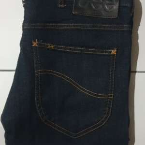 Harga celana jeans pria lee 706 japanese tech fabric slim | HARGALOKA.COM