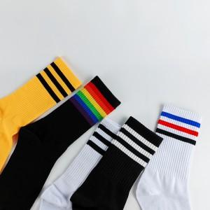 Harga kaos kaki casual motif stripe oldschool unisex   | HARGALOKA.COM