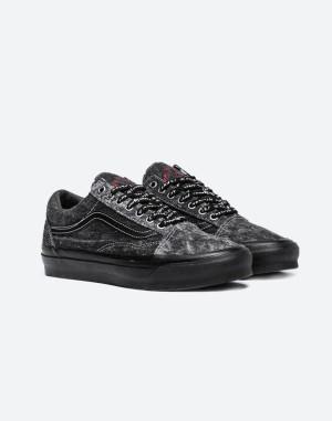 Harga sepatu sneaker vans vault x jim goldberg old skool lx   | HARGALOKA.COM