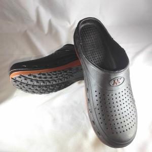 Harga diskon sepatu sandal pria karet crocs bakpau awet dan nyaman   | HARGALOKA.COM