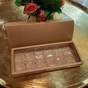 Harga dus box coklat kue kering nastar mini lapis mochi 12 hole | HARGALOKA.COM