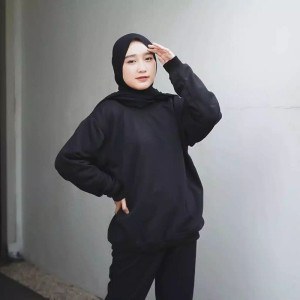 Harga sweater polos model kaos pria wanita   | HARGALOKA.COM