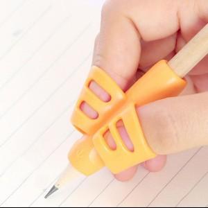 Harga am isi 3 pcs alat bantu belajar menulis   writing grip   alat | HARGALOKA.COM