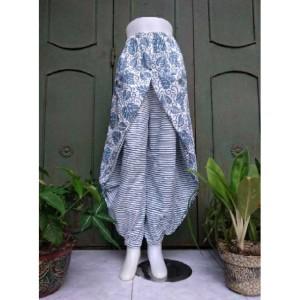 Harga model baru celana batik kulot model aladin sayap batik | HARGALOKA.COM