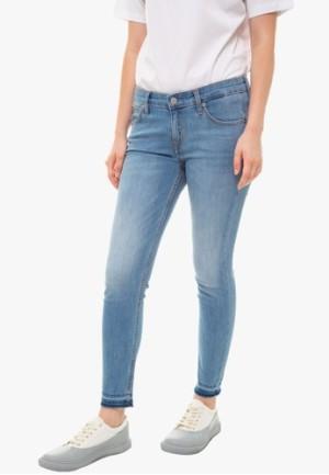 Harga calvin klein   celana jeans wanita   022 body ankle jeans   biru   HARGALOKA.COM