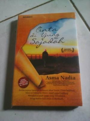 Harga novel cinta di ujung sajadah asma nadia | HARGALOKA.COM