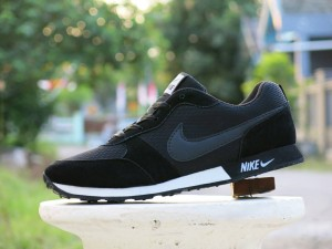 Harga sepatu sport nike waffle trainer hitam casual kets joging | HARGALOKA.COM