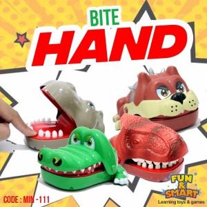 Harga bite hand mainan prank gigit jari karakter binatang lucu     HARGALOKA.COM
