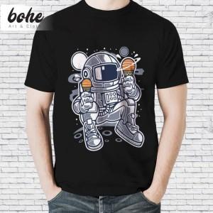 Harga baju kaos distro astronot karakter keren pria unisex ice cream   hitam | HARGALOKA.COM
