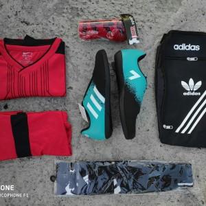 Harga sepatu futsal adidas bonus kaos kaki deker dan   HARGALOKA.COM