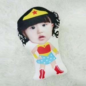 Harga bantal boneka foto karikatur custom   xtralarge wonder woman 70cm | HARGALOKA.COM