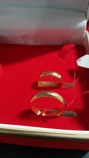 Harga cincin kawin emas kuning 1 set lengkap model simple polos | HARGALOKA.COM