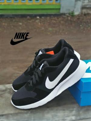 Harga sepatu nike roserun jumbo big size 45 47 murah dan berkualitas terbaik   hitam | HARGALOKA.COM