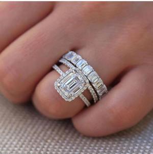 Harga pesanan khusus set cincin emas berlian | HARGALOKA.COM