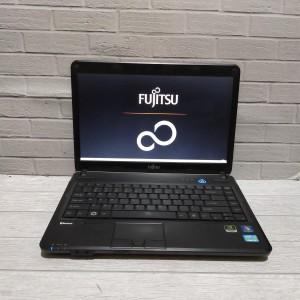 Harga laptop fujitsu lifebook lh701 core i5 nvidia gt 520m 4gb hdd | HARGALOKA.COM
