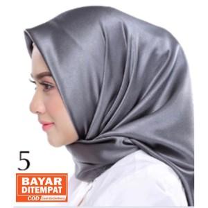 Harga jilbab silk segi empat polos | HARGALOKA.COM