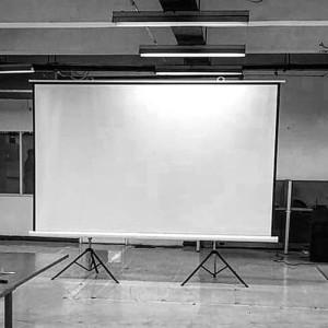 Harga layar screen proyektor tripod kaki 150 34 4 | HARGALOKA.COM