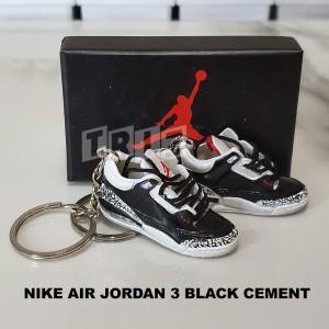Harga gantungan kunci sneakers nike air jordan 3 black cement keychain | HARGALOKA.COM