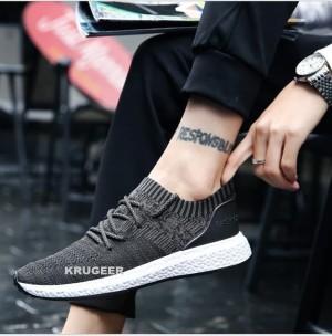 Harga sepatu sneakers pria import kets dan kasual slip on model terbaru 923   hitam   HARGALOKA.COM