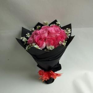 Harga bunga wisuda buket bunga kado bunga ucapan ulang | HARGALOKA.COM