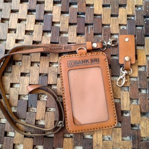 Harga id card bank bri fremiun kulit asli tag name dompet card   HARGALOKA.COM
