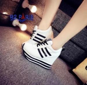 Harga sepatu sneakers wedges semi boots wanita tebal tinggi kets r2p | HARGALOKA.COM
