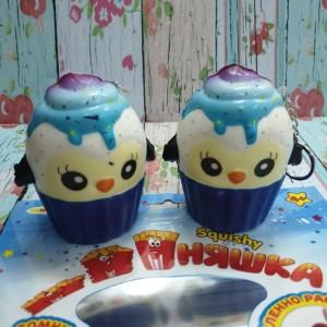 Harga squishy murah cute pinguin cupcake licensed by wlm | HARGALOKA.COM