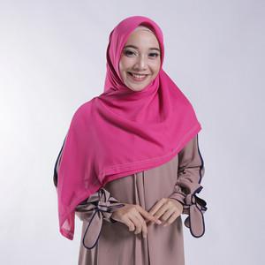 Harga zoya kerudung segi empat polos   nov scarf warna | HARGALOKA.COM