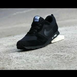 Harga sepatu sport nike wefel trainer full black | HARGALOKA.COM