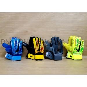 Harga sarung tangan kiper nike finger save 716 green light tulang | HARGALOKA.COM