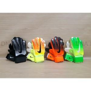 Harga sarung tangan kiper nike finger save 916 black orange tulang | HARGALOKA.COM