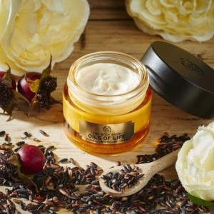 Harga sale the body shop oils of life intensely revitalising | HARGALOKA.COM