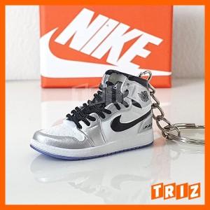 Harga gantungan kunci 3d sneakers nike air jordan off white metallic | HARGALOKA.COM