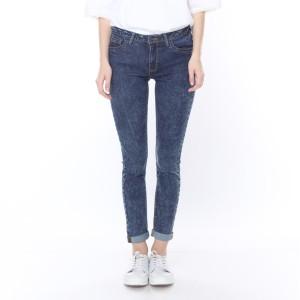 Harga celana jeans wanita terbaru 2020 aromore aline jeans ice wash   | HARGALOKA.COM