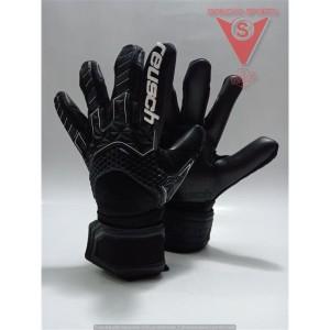 Harga sarung tangan kiper reusch attrakt freegel mx2 original | HARGALOKA.COM