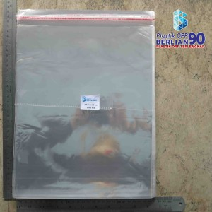 Harga plastik opp 27x33 cm tebal 20 mic plastik baju isi 100 | HARGALOKA.COM