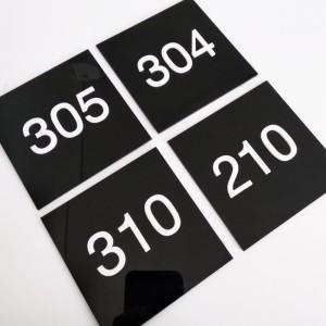 Harga nomor kamar kost hotel acrylic nomor acrylic | HARGALOKA.COM