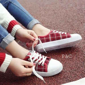 Harga sepatu sneakers sepatu kets sepatu wanita boa kotak | HARGALOKA.COM