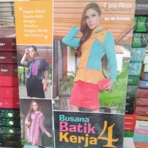 Harga buku busana batik kerja | HARGALOKA.COM