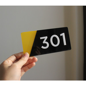 Harga nomor kamar acrylic murah nomor kamar kost hotel | HARGALOKA.COM