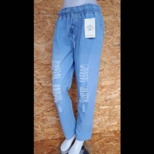Harga celana boyfriend ripped tidak tembus boyfriend ripped jeans ripped   light | HARGALOKA.COM