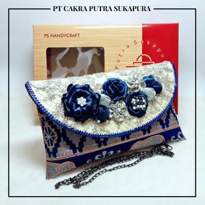 Harga putra sukapura clutch cantik dompet wanita tapis amp khas lampung   biru | HARGALOKA.COM