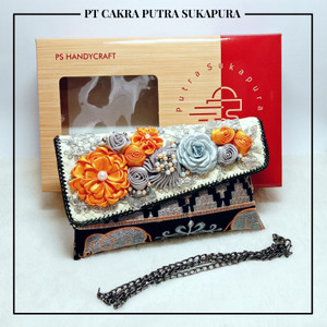 Harga ps handycraft clutch cantik dompet wanita tapis mrg khas lampung   hitam | HARGALOKA.COM