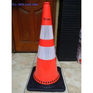 Harga traffic cone base hitam khusus pengiriman via gojek | HARGALOKA.COM