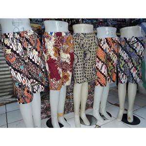Harga celana kulot pendek batik 7per8 wanita jumbo   motif random   random warna all | HARGALOKA.COM