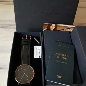 Harga jam tangan dw sheffield warna rose gold black original | HARGALOKA.COM